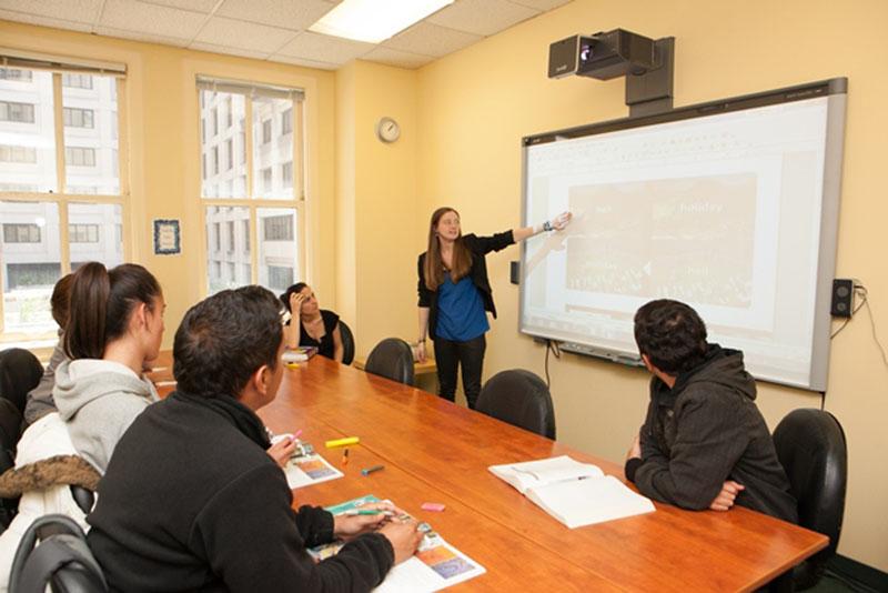 Cursos de ingl s para profesores en san francisco for Profesores en el exterior
