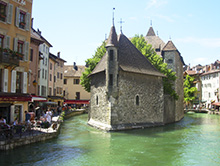 Learn French in Annecy